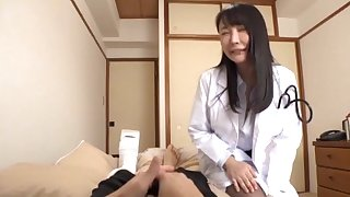 Foxy Japanese woman with stockings enjoys riding a lucky patient