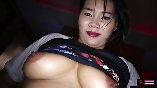 Unskilled MILF sex massage with a customer