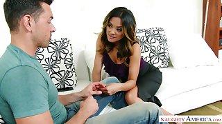 Singapore hottie Kaylani Lei seduces husband of her best girlfriend