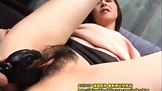 mature amateur playing and categorization on cam